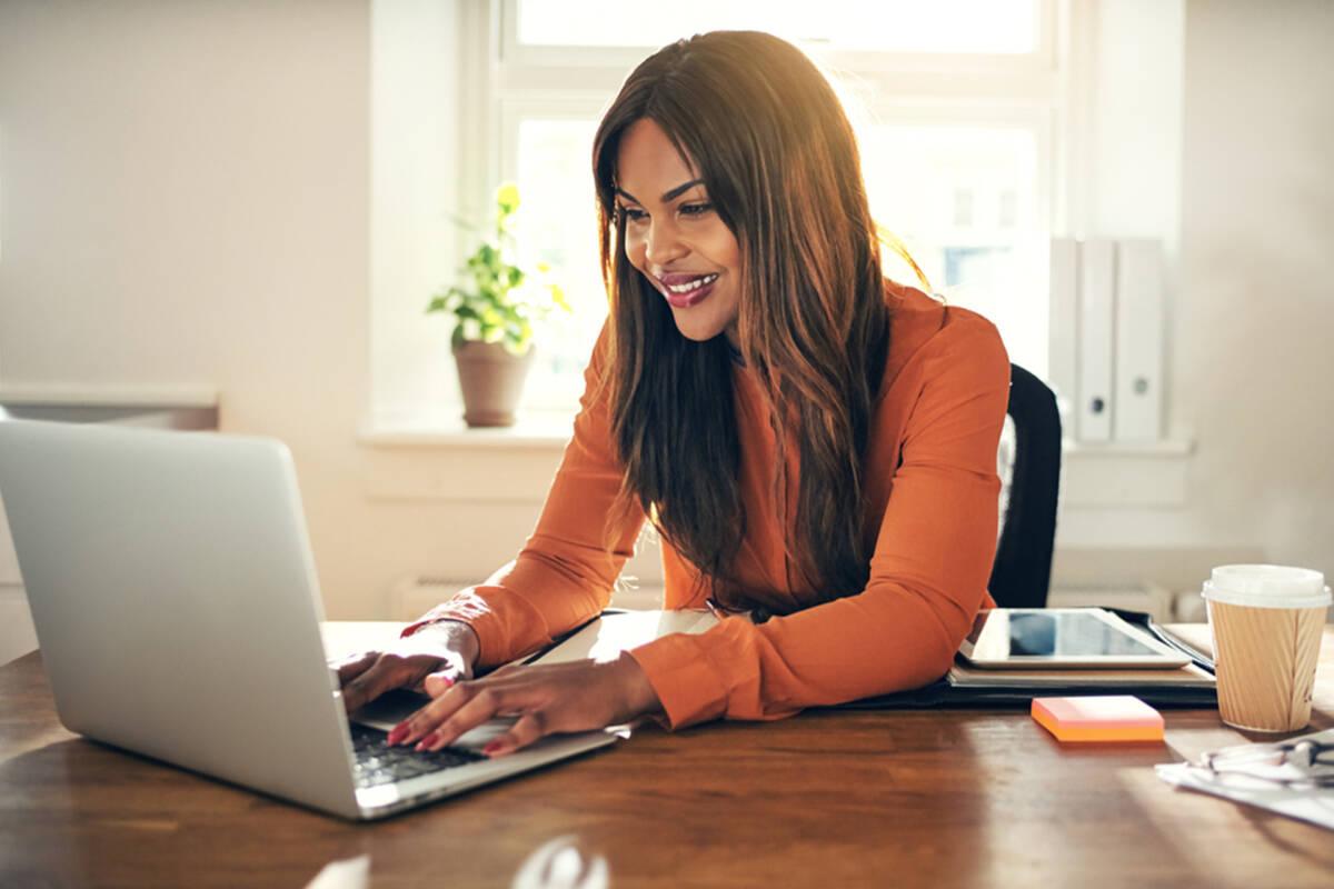 Accesorios indispensables para trabajar desde tu casa